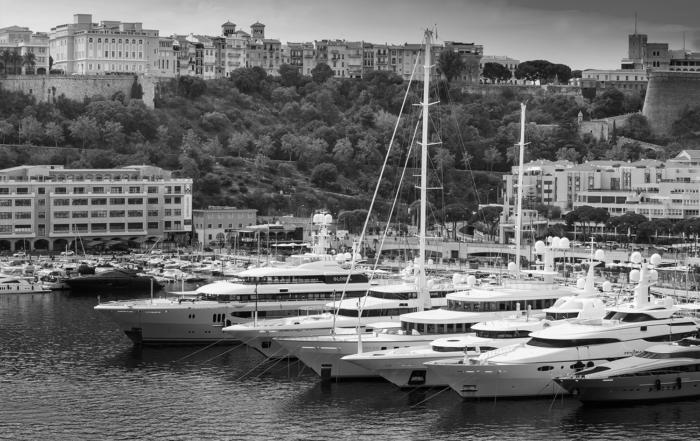 port hercules monaco yachts noir et blanc
